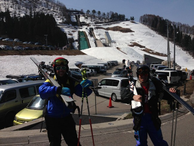 Gab and Luke lining up for the X Wave ski race in Nozawa. Go hard!