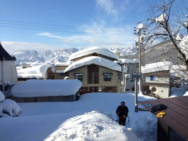 Beautiful day for a shovel! Nashimoto san making light work of the powder. This was taken on 19th of December last year! What a start to the season