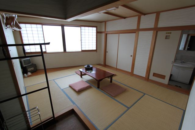 Spacious Traditional Tatami Rooms the only way to go when in Nozawa.