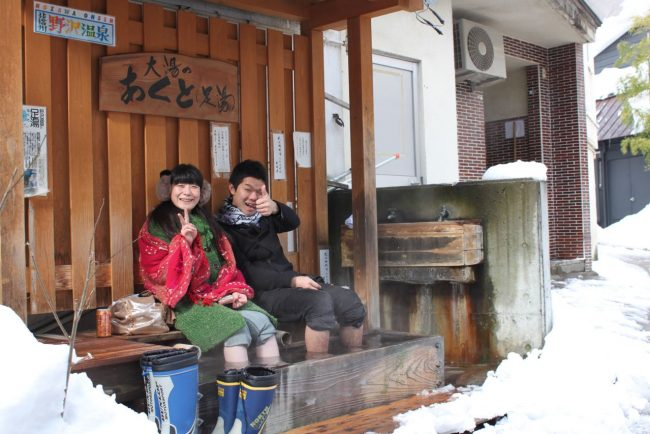 Imagine a town that supplied free hot foot spas for after a long day on the bike! Nozawa Onsen does..