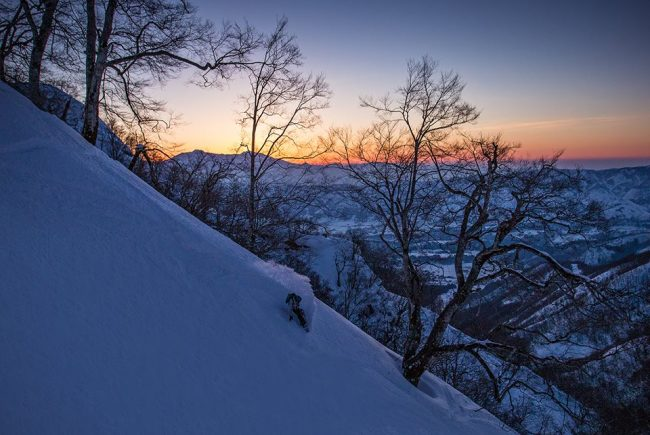 Nozawa Onsen is a pretty little traditional town with amazing snowboarding and skiing and also sunsets!