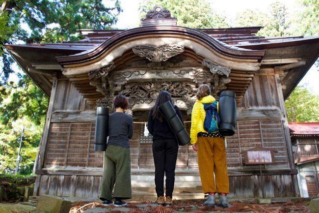 Yoga Nozawa Onsen Temples and tranquility